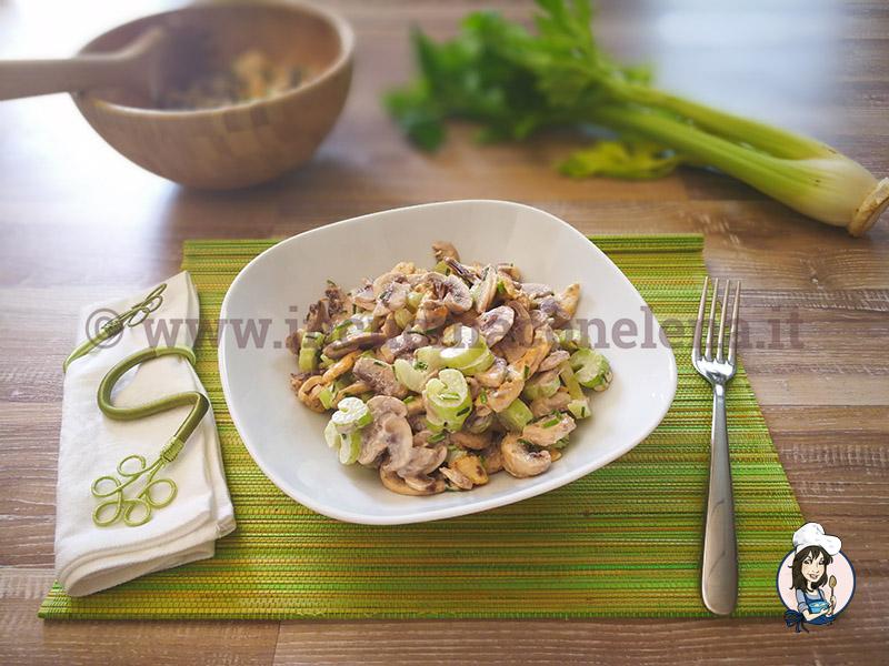 Ricetta insalata di sedano e champignon ricette dieta gruppo sanguigno - In cucina con elena ...